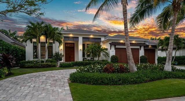 555 Regatta Rd, Naples, FL 34103 (MLS #220021841) :: The Naples Beach And Homes Team/MVP Realty