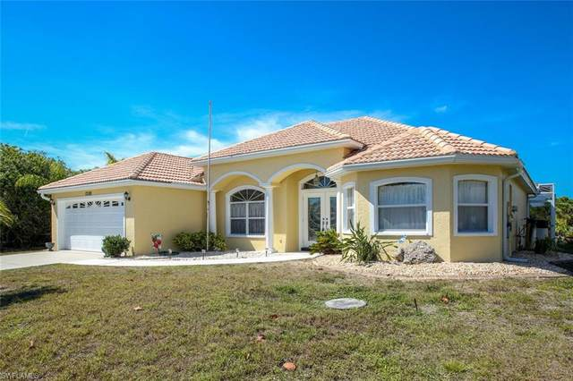 17188 Seashore Ave, Port Charlotte, FL 33948 (MLS #220022645) :: Clausen Properties, Inc.