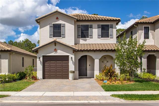 8753 Madrid Cir, Naples, FL 34104 (#220022932) :: The Dellatorè Real Estate Group