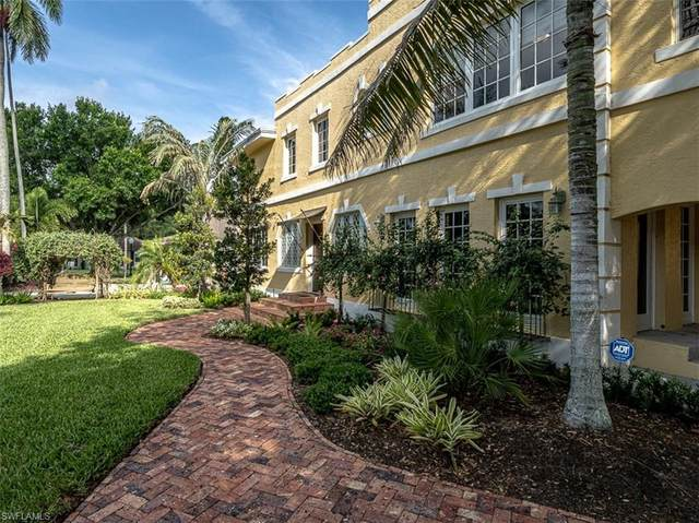 1221 Canterbury Dr, Fort Myers, FL 33901 (MLS #220023899) :: The Keller Group