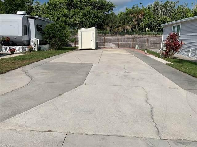 141 Cheetah Dr, Naples, FL 34114 (MLS #220024214) :: Clausen Properties, Inc.