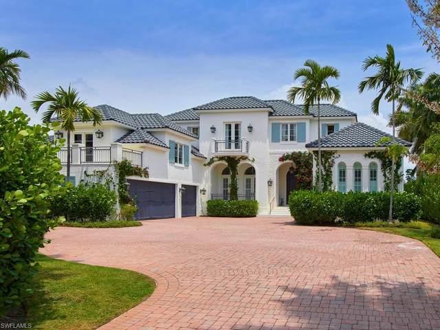 997 Spyglass Ln, Naples, FL 34102 (#220027213) :: The Dellatorè Real Estate Group