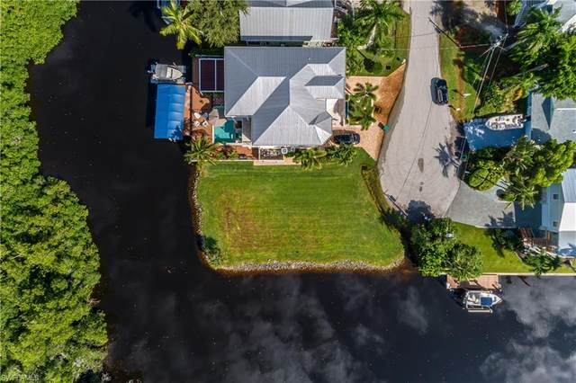 1277 Venetian Way, Naples, FL 34110 (#220028399) :: Jason Schiering, PA