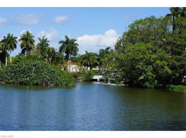 2550 Lantern Ln, Naples, FL 34102 (#220029400) :: The Dellatorè Real Estate Group