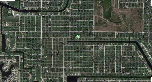 14183 Howard Ave, Port Charlotte, FL 33953 (#220029865) :: The Dellatorè Real Estate Group