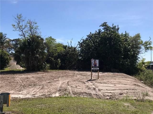5594 32nd Ave SW, Naples, FL 34116 (#220030121) :: The Dellatorè Real Estate Group