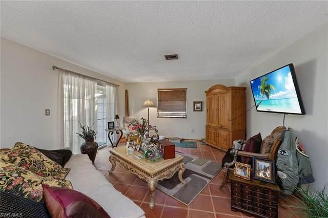 1555 Curlew Ave #3, Naples, FL 34102 (#220030382) :: The Dellatorè Real Estate Group