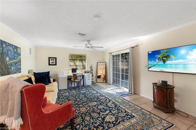 1555 Curlew Ave #4, Naples, FL 34102 (#220030384) :: The Dellatorè Real Estate Group