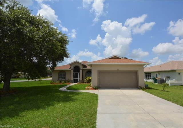 3271 Lemon Ln, Naples, FL 34120 (MLS #220031612) :: Kris Asquith's Diamond Coastal Group