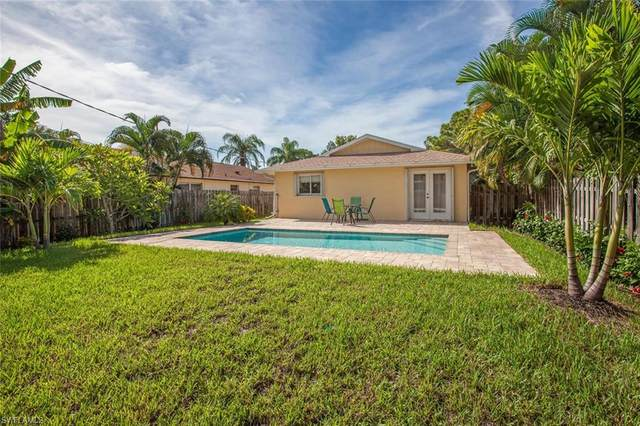 725 105th Ave N, Naples, FL 34108 (MLS #220032038) :: #1 Real Estate Services