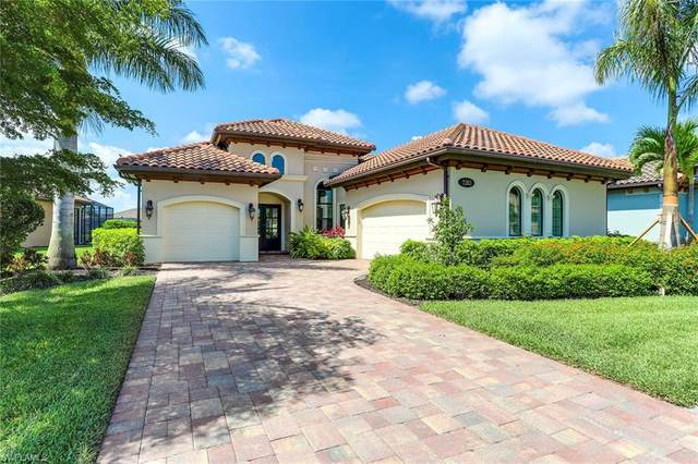 7282 Lantana Cir, Naples, FL 34119 (#220032113) :: The Dellatorè Real Estate Group