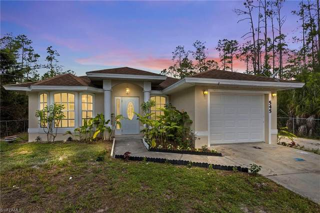 545 Desoto Blvd S, Naples, FL 34117 (MLS #220032156) :: Dalton Wade Real Estate Group
