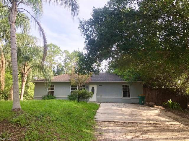 2929 66th Ave NE, Naples, FL 34120 (MLS #220032295) :: Kris Asquith's Diamond Coastal Group