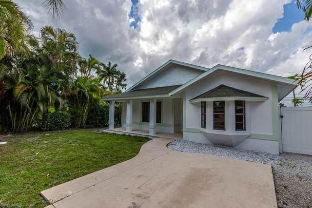 827 102nd Ave N, Naples, FL 34108 (MLS #220032489) :: Clausen Properties, Inc.