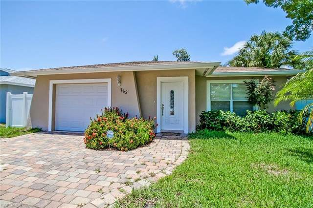 765 97th Ave N, Naples, FL 34108 (MLS #220032762) :: #1 Real Estate Services