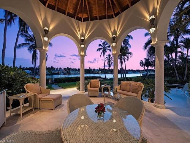 1026 Spyglass Ln, Naples, FL 34102 (#220033031) :: Caine Premier Properties