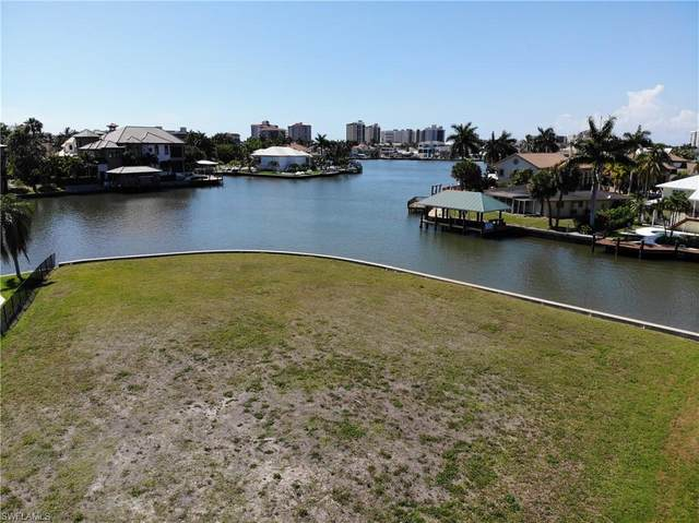 359 Seagull Ave, Naples, FL 34108 (MLS #220033232) :: #1 Real Estate Services