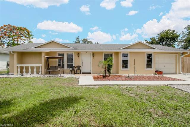 1201 Ingraham St, Naples, FL 34103 (#220033709) :: The Dellatorè Real Estate Group