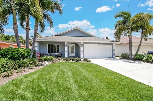 567 105th Ave N, Naples, FL 34108 (MLS #220034086) :: #1 Real Estate Services