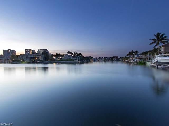 313 Turtle Hatch Rd, Naples, FL 34103 (#220035146) :: The Dellatorè Real Estate Group