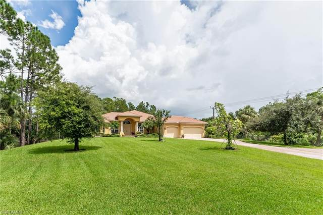 880 3rd St SW, Naples, FL 34117 (MLS #220035430) :: Kris Asquith's Diamond Coastal Group