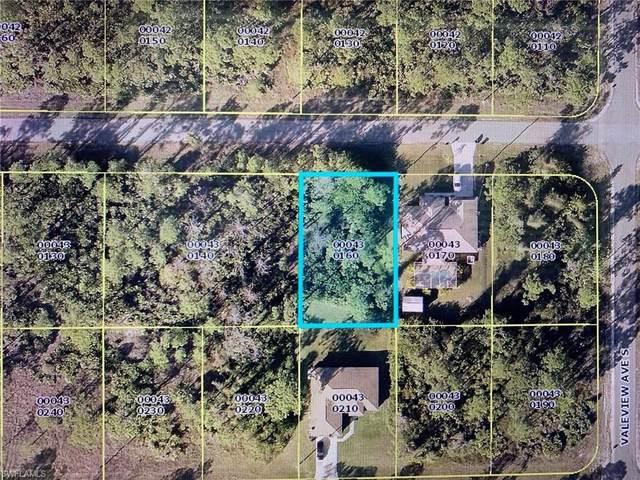 1054 Merry St E, Lehigh Acres, FL 33974 (#220035540) :: Caine Premier Properties