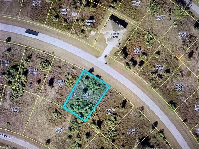 830 Nimitz Blvd, Lehigh Acres, FL 33974 (MLS #220035667) :: Kris Asquith's Diamond Coastal Group