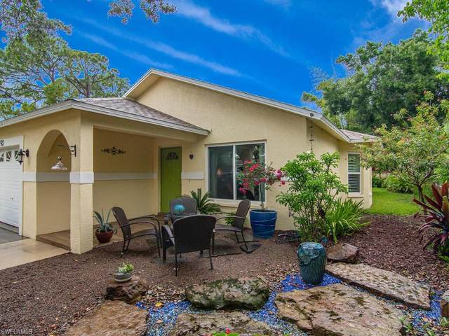 793 95th Ave N, Naples, FL 34108 (MLS #220036676) :: Premier Home Experts