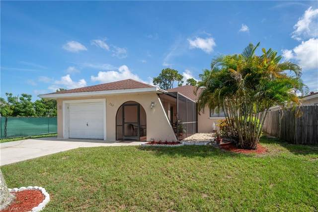 723 104th Ave N, Naples, FL 34108 (MLS #220039485) :: Premier Home Experts