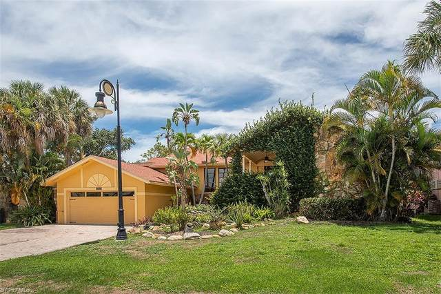 425 Germain Ave, Naples, FL 34108 (MLS #220039563) :: The Naples Beach And Homes Team/MVP Realty