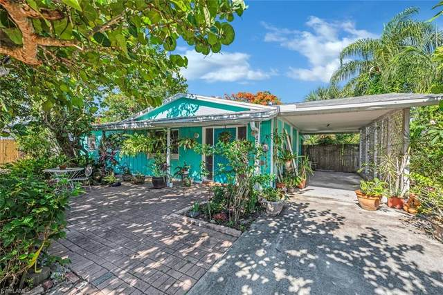 4547 Boabadilla St, Naples, FL 34103 (MLS #220039706) :: Clausen Properties, Inc.