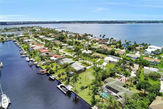 931 Dolphin Dr, Cape Coral, FL 33904 (MLS #220039933) :: Clausen Properties, Inc.