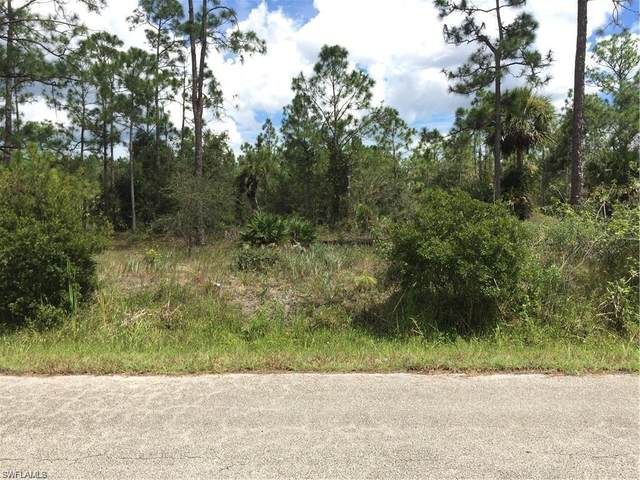 712 Highland Ave, Lehigh Acres, FL 33972 (MLS #220039937) :: RE/MAX Realty Group