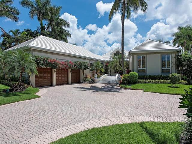 925 Spyglass Ln, Naples, FL 34102 (#220039966) :: Vincent Napoleon Luxury Real Estate