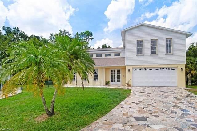 4053 Sawgrass Ln, Naples, FL 34112 (#220040262) :: The Dellatorè Real Estate Group