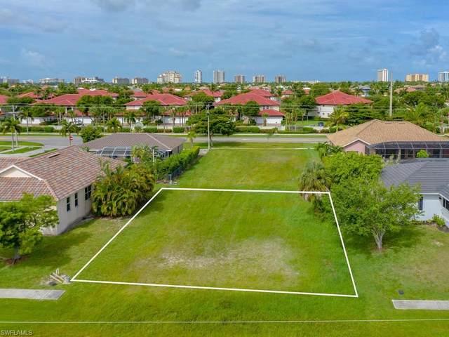 208 Tahiti Rd, Marco Island, FL 34145 (MLS #220040593) :: Team Swanbeck