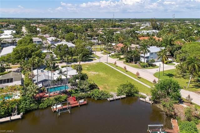 1690 Chesapeake Ave, Naples, FL 34102 (MLS #220040681) :: BonitaFLProperties