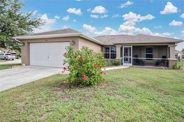 3712 Trent St, Fort Myers, FL 33905 (MLS #220041673) :: Dalton Wade Real Estate Group