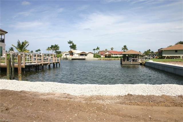 1741 Canary Ct, Marco Island, FL 34145 (MLS #220043242) :: Kris Asquith's Diamond Coastal Group