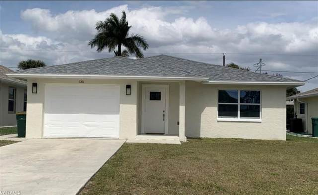 635 94th Ave N, Naples, FL 34108 (#220044277) :: The Dellatorè Real Estate Group