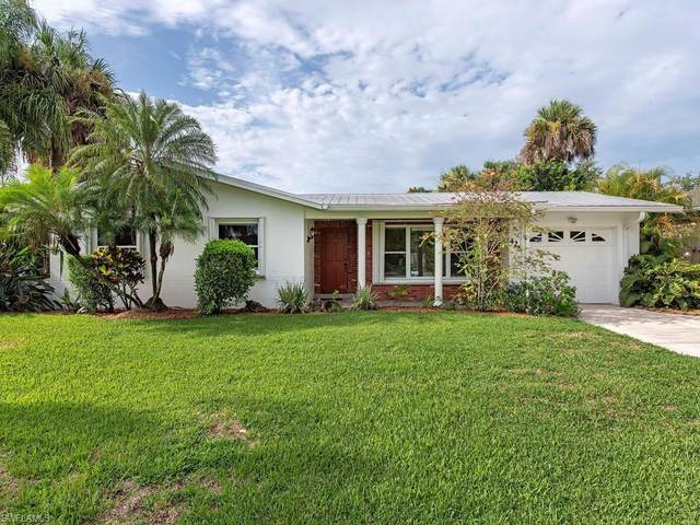 4268 25th Ave SW, Naples, FL 34116 (MLS #220045928) :: Team Swanbeck