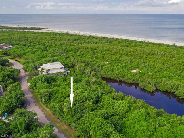 700 Waterside Dr, Marco Island, FL 34145 (MLS #220046018) :: Clausen Properties, Inc.