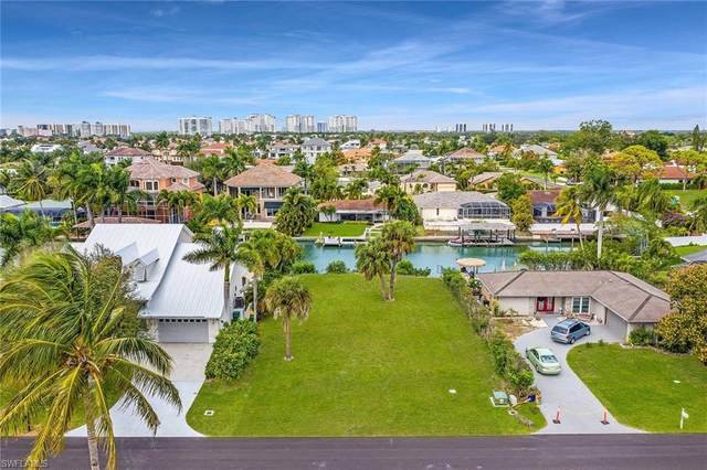 467 Seagull Ave, Naples, FL 34108 (MLS #220046670) :: The Naples Beach And Homes Team/MVP Realty
