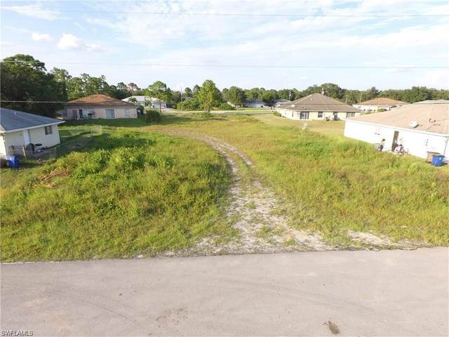 4748 22nd St SW, Lehigh Acres, FL 33973 (MLS #220046832) :: RE/MAX Realty Group
