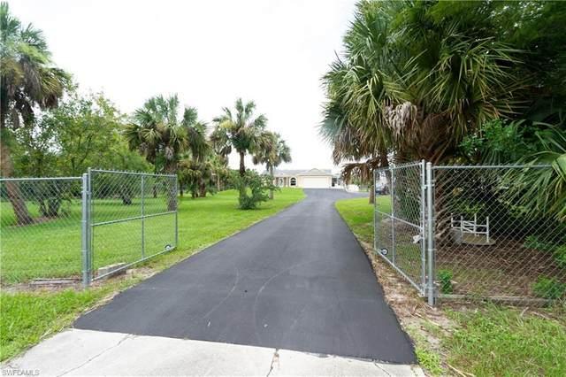 545 35th Ave NW, Naples, FL 34120 (#220046968) :: The Dellatorè Real Estate Group