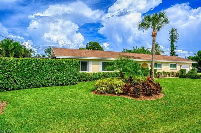 701 93rd Ave N, Naples, FL 34108 (#220048027) :: Caine Premier Properties