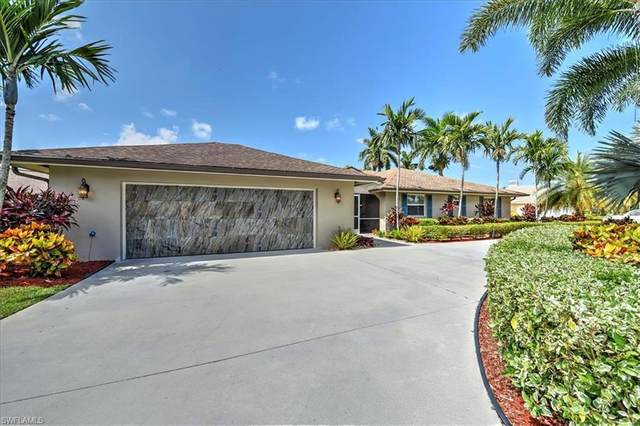 686 Cypress Way E, Naples, FL 34110 (#220049281) :: Caine Premier Properties