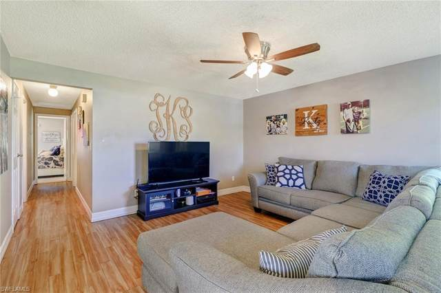 1378 Trail Terrace Dr, Naples, FL 34103 (#220052915) :: Equity Realty