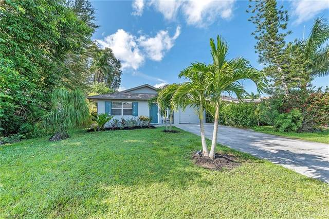 820 100th Ave N, Naples, FL 34108 (#220054138) :: The Dellatorè Real Estate Group