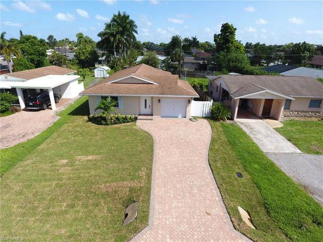 741 105th Ave N, Naples, FL 34108 (#220054328) :: The Dellatorè Real Estate Group